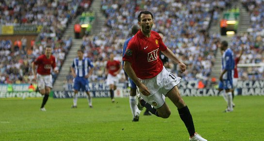 Giggs Backs Warriors